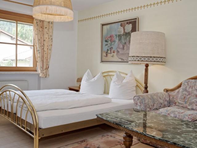 Doppelzimmer mit Sitzecke ohne Balkon